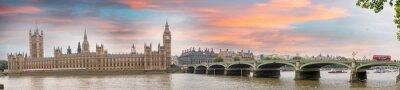 Image Londres au crépuscule. coucher du soleil d'automne sur le pont de Westminster