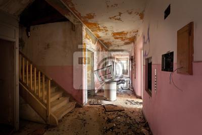 Long Couloir De La Vieille Maison Detruite Interieur Peintures