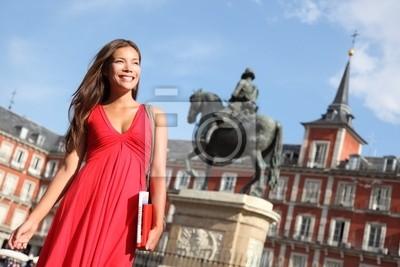 Madrid - Femme sur la Plaza Mayor