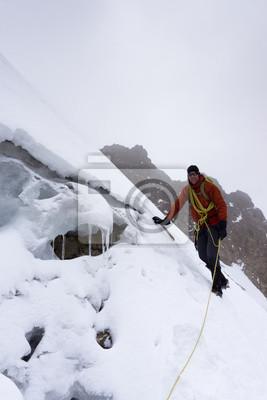 Image Mâle Alpiniste Sur Un Glacier Très Raide Dans La Cordillère Blanche