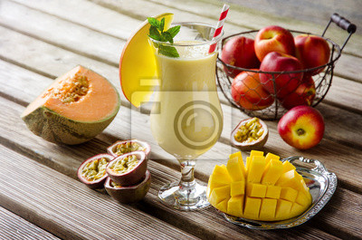 Mangue, melon et fruits de la passion Tropical Smoothie pour BRE saine