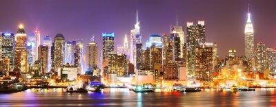 Image Manhattan dans la nuit.
