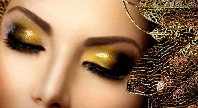 Image Maquillage glamour de la mode. Or vacances scintillant Fards à paupières
