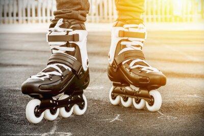 Image marcher sur des patins à roulettes pour le patinage