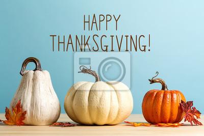 Image Message de Thanksgiving avec des citrouilles sur un fond bleu