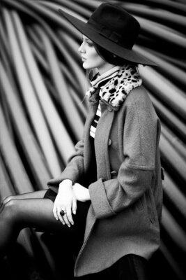 Image mode femme en noir et blanc