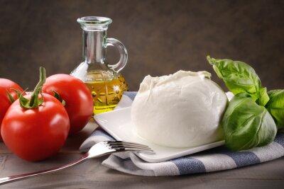 Image Mozzarella di bufala con pomodori, basilico e olio extravergine