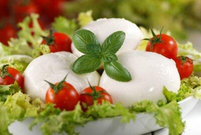 Image mozzarella di bufala italiana con pomodorini di Pachino