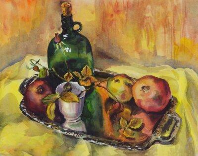 Image Nature morte avec des roses, des grenades et une bouteille de vin sur un plateau. La peinture à l'aquarelle