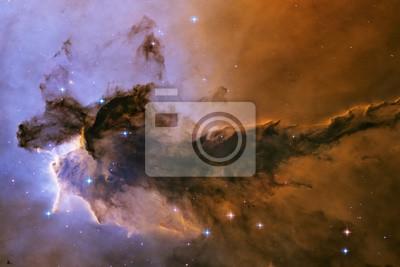 Nébuleuse d'aigle. Le gaz et la poussière s'élèvent de la pépinière stellaire.