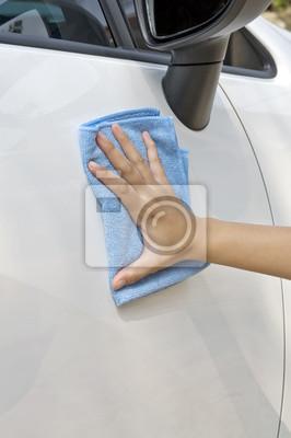 Nettoyage de véhicules neufs