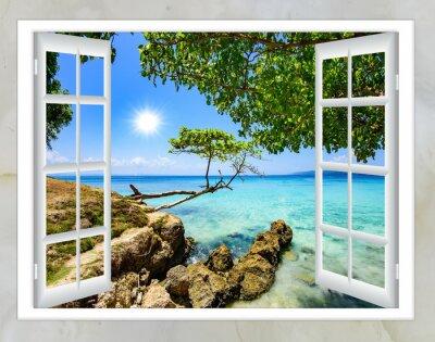 Image Ouvert fenêtre vue de la mer beau temps été