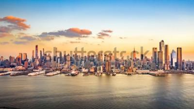 Image Panorama aérien des gratte-ciel du centre-ville de Manhattan par un après-midi ensoleillé