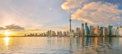 Image Panorama de la ville de Toronto au coucher du soleil en Ontario, Canada.