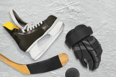 Image Patins de hockey, bâton, gants et rondelle