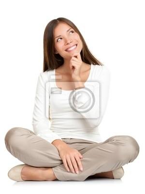Penser femme assise sur le plancher isolé