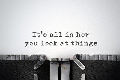 Image Perspectives. Citation inspirée tapé sur une vieille machine à écrire.