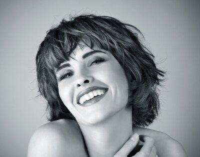 Image Photo de la belle femme en riant