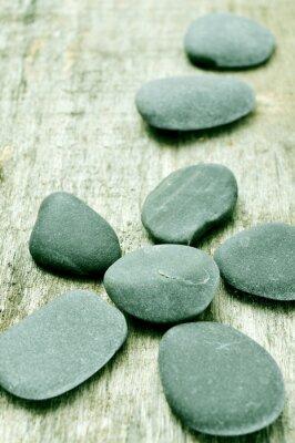 Image pierres sur une surface en bois vieux