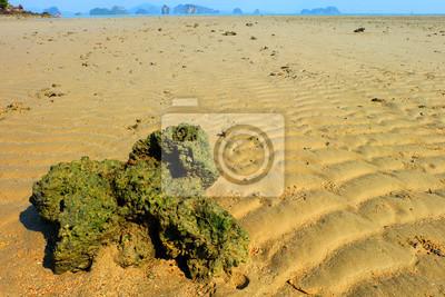 Plage de l'île, fond de plage de sable, île de Yao Nai, Phang Nga, Thaïlande.