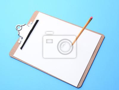 Planchette à pince et crayon