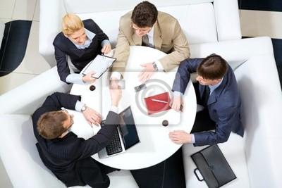 Poignée de main lors de la réunion