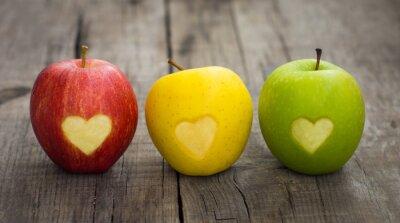 Image Pommes avec gravé cœurs