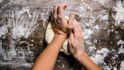 Image Préparation de la pâte. Préparation de la pâte aux mains des femmes.