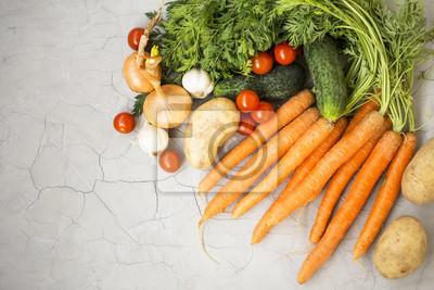 Récolte de légumes biologiques, vue de dessus