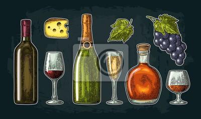 Régler les boissons à base de raisin. vin, brandy, champagne Images myloview