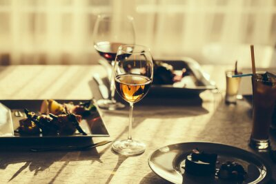 Image Repas servi et vin