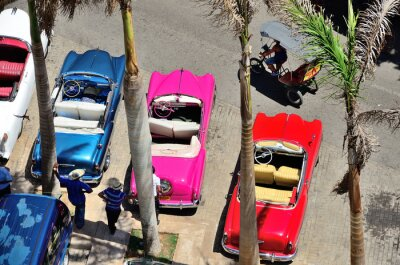 Image Retro cars in Havana.
