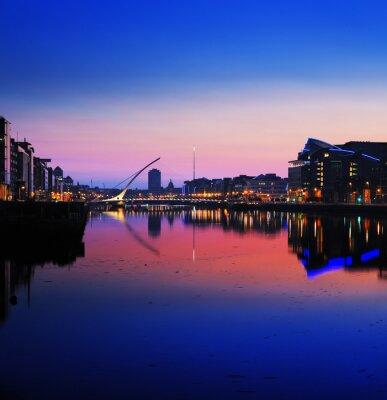 Image Rive nord de la rivière Liffey à Dublin City Center la nuit