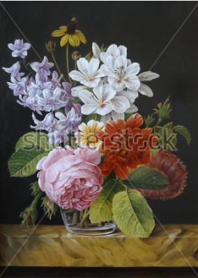 Image Roses dans un vase en verre. Coquelicots, violette, camomille. La peinture. Nature morte.