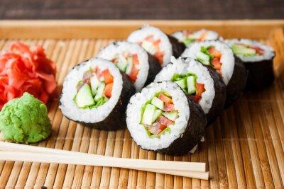 Image Rouleau de sushi végétarien
