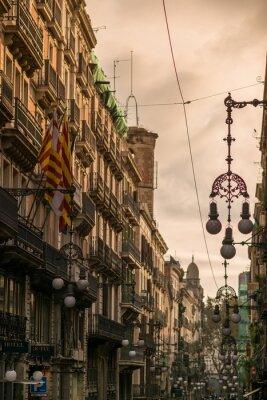 Image Rue à Barcelone avec de nombreux lampadaires