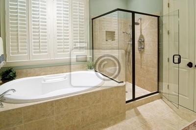 Image: Salle de bains avec douche et baignoire à remous