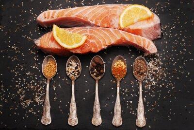 Image Saumon et des épices fraîches