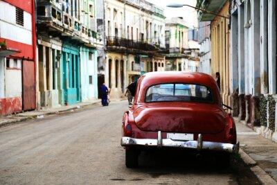 Image Scène de rue avec des voitures anciennes à La Havane, Cuba