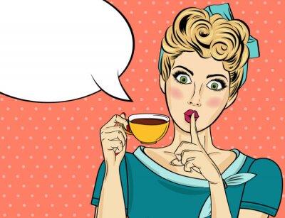 Image Sexy femme blonde pop art avec une tasse de café