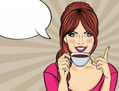 Image Sexy femme pop art avec une tasse de café