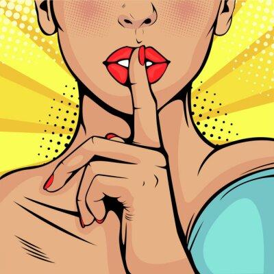 Image Silence top secret fille. Belle femme a mis son doigt sur ses lèvres, appelant au silence. Fond de vecteur coloré dans un style bande dessinée rétro pop art.