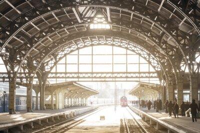 Image Station de train vintage avec toit métallique