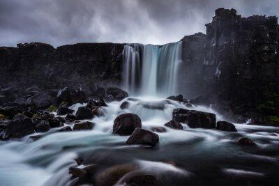 Image Steiniger Wasserfall à l'Île-