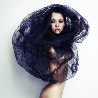 Image Superbe femme sous le voile