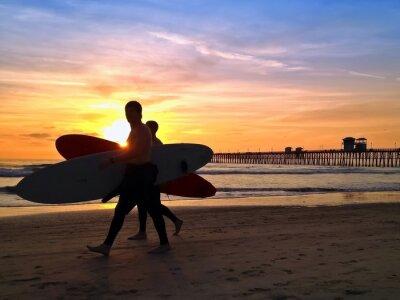 Image Surfers Sunset Oceanside Pier Beach à San Diego en Californie USA