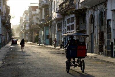 Image Tôt le matin dans les rues de la Havane Vieja