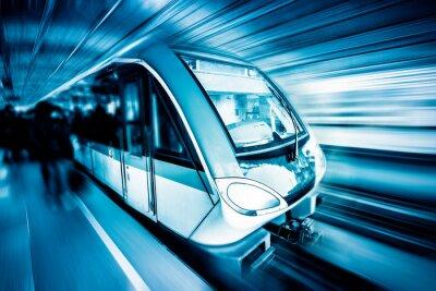 Image train à travers la ville