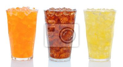 Trois verres de boissons gazeuses