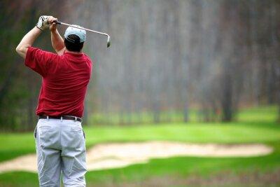 Image Un homme bénéficiant d'un jeu de golf